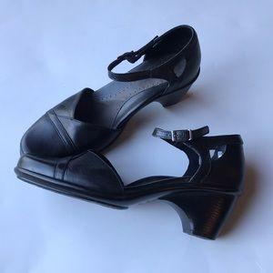 Dansko ROXY black leather Mary Jane heels 40 10